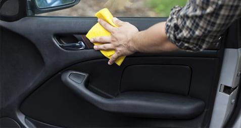 تمیزکردن داخل خودرو